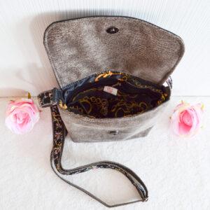De la Rose õlakotid eesti käsitöö disain uuskasutusena valminud mööblikangast ja mööblinahast