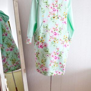 De la Rose mugav dresskleit pehmest dresskangast kapuutsi ja taskutega